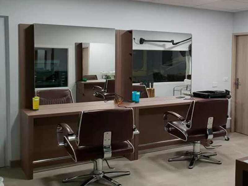 espace professionnel, poste de coiffage